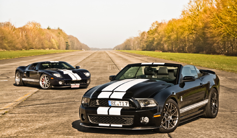 Photo Of The Day Ford GT and Ford Mustang GT500 Convertible