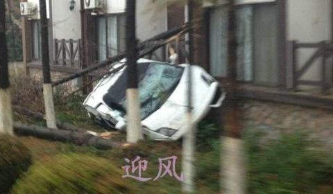 Car Crash Lamborghini Gallardo Wrecked in Test Drive