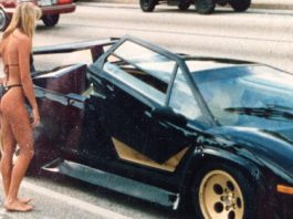 Cars and Girls Vintage Lamborghini Countach Pick Up