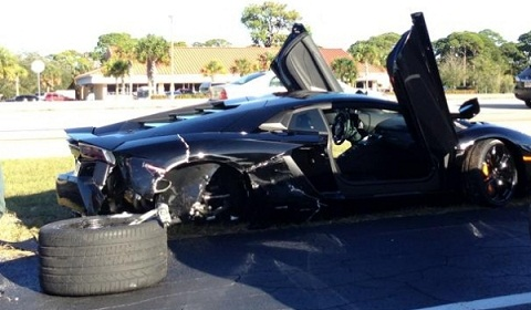 Lamborghini Aventador Wrecked by 79-Year-Old