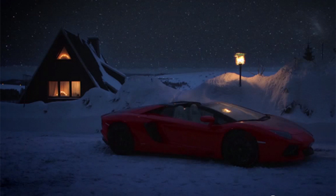Happy Holiday's From Lamborghini and Santa in an Aventador