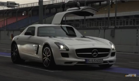 Video Chris Harris Drives Mercedes-Benz SLS AMG GT at Hockenheim