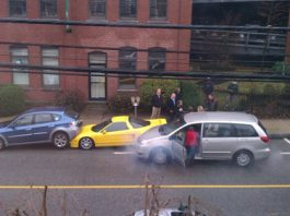 Yellow Acura NSX car crash