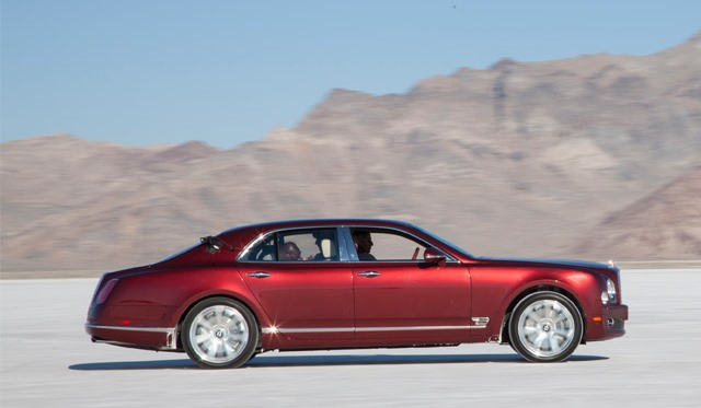 Andy Green Drives the Bentley Mulsanne on the Bonneville Salt Flats