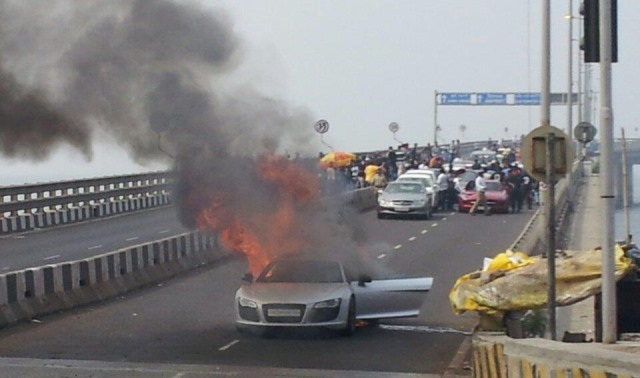 Audi R8 Catches Fire