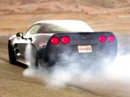 Video Corvette ZR1 beats the SRT Viper in Burnout Super Test