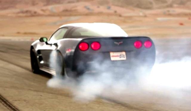 Video Corvette ZR1 beats the SRT Viper in Burnout Super Test