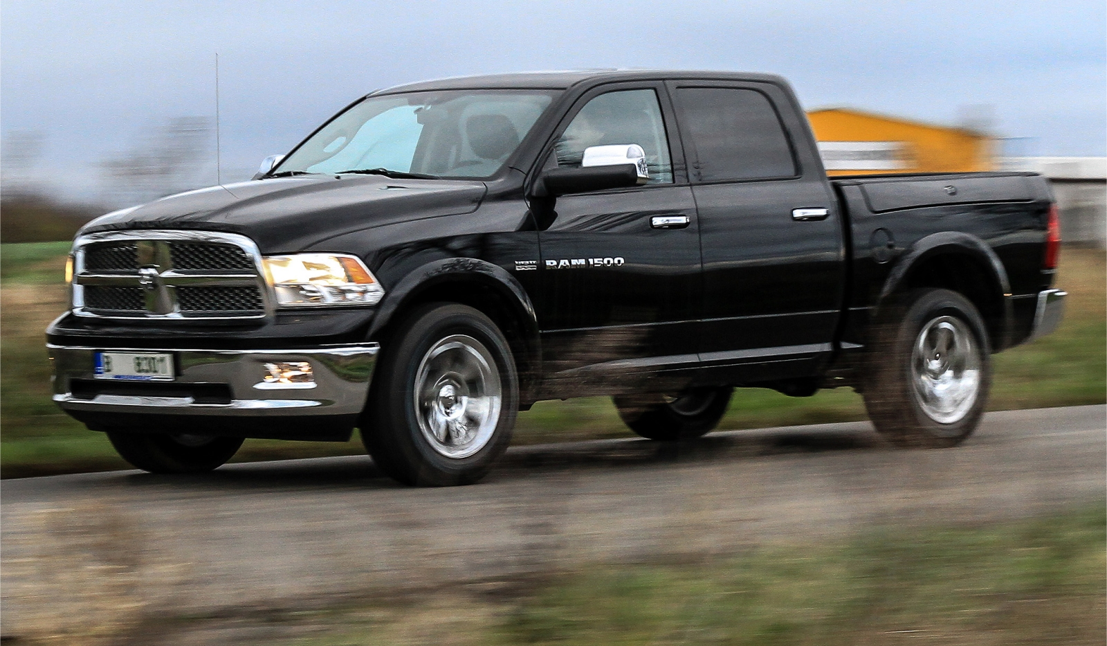 first drive 2012 ram 1500 laramie edition gtspirit. Black Bedroom Furniture Sets. Home Design Ideas