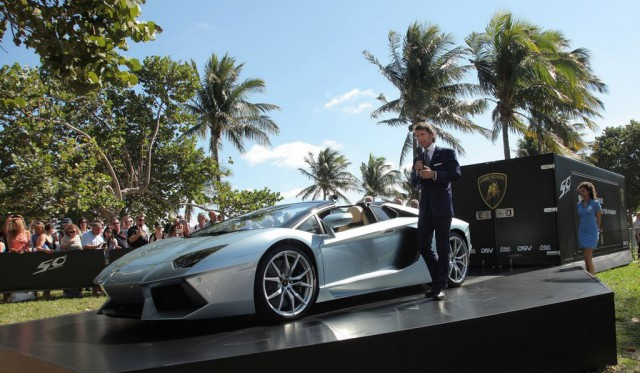 Video: Twelve Lamborghini Aventador Roadster's in Miami