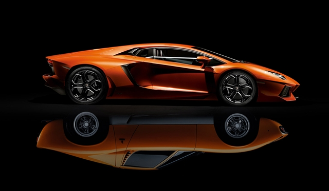 Lamborghini Presents One-Off Aventador at Geneva Motor Show