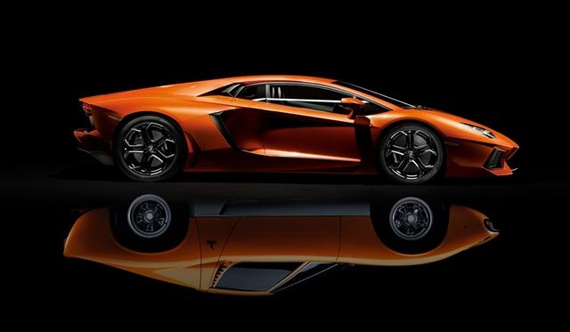 Lamborghini Presents One-Off Aventador at Geneva Motor Show