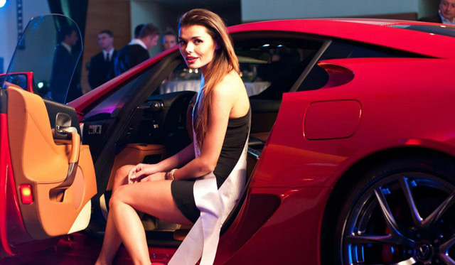 Lexus LFA Buyer Given Ceremony in Poland