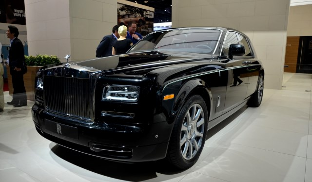 Rolls Royce to Reveal a New Model in Coming Weeks