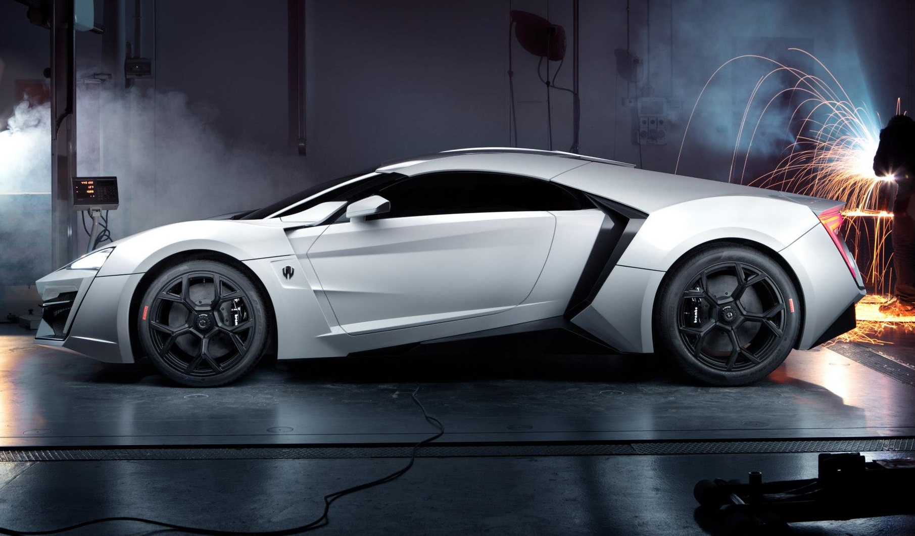 2015 W Motors Lykan Hypersport Photos Drive Away 2day