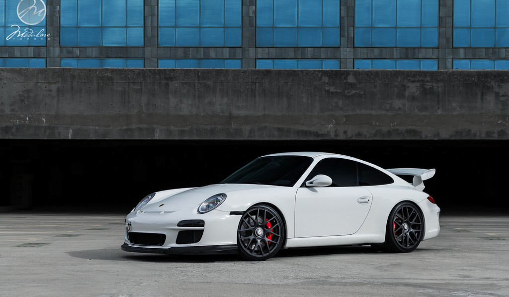 Porsche 997.2 911 GT3 on Modulare B1 Wheels