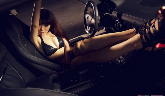 Cars & Girls: Duo of Girls With Ferrari 458 Italia and SLS AMG