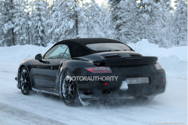 Spyshots: 2014 Porsche 911 Turbo Captured Winter Testing