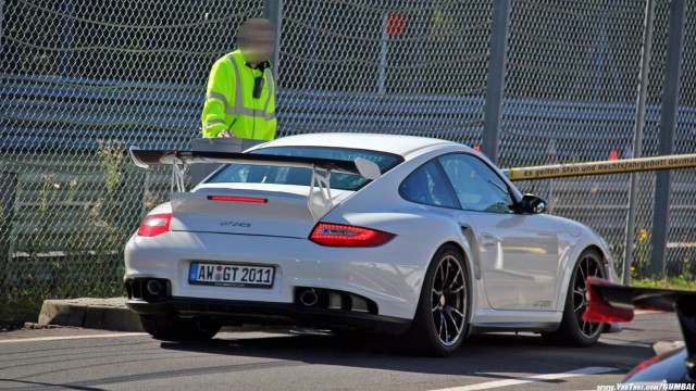Video: Unique Porsche 911 GT2 RS With GT3 RS Wing