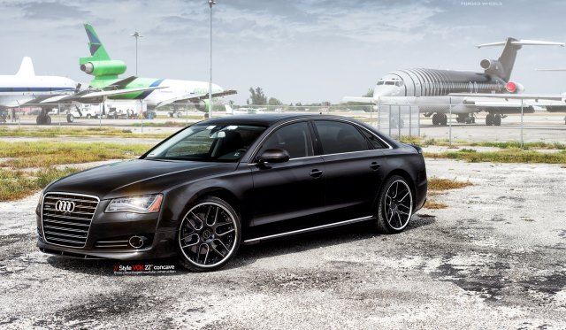 MC Customs Audi A8 with 22 Inch VCK Vellano Wheels