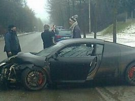 Car Crash: Guillaume Gillet Crashes Audi R8
