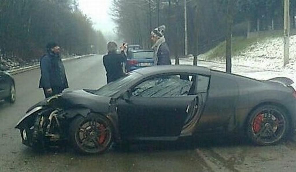 Car Crash: Guillaume Gillet Crashes Audi R8