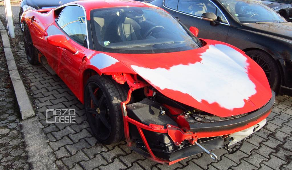 Car Crash: Smashed Ferrari 458 Italia in Prague