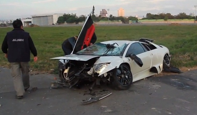Lamborghini Murcielago LP640 Wrecked in Airfield Race