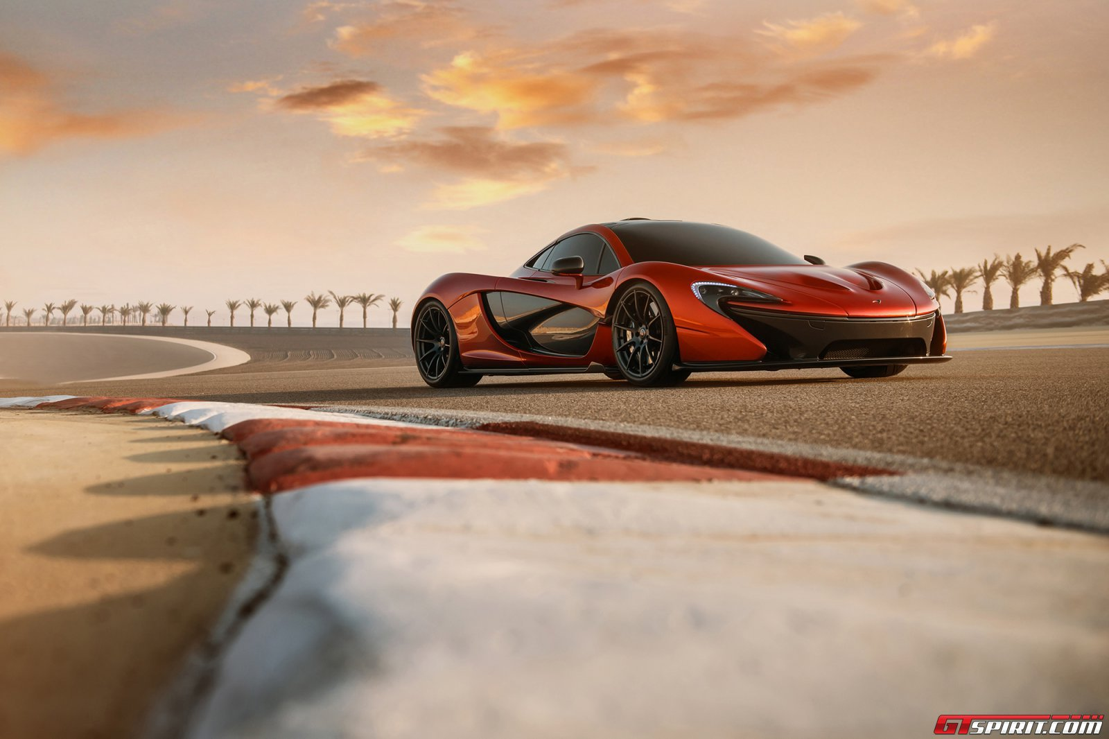 Gallery Mclaren P1 At Bahrain International Circuit