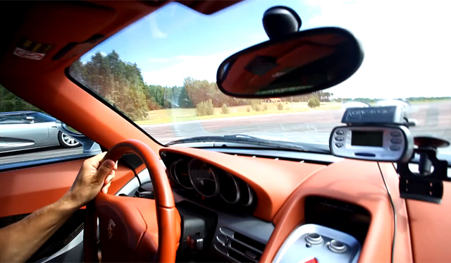 Video: Porsche Carrera GT vs Koenigsegg CCR