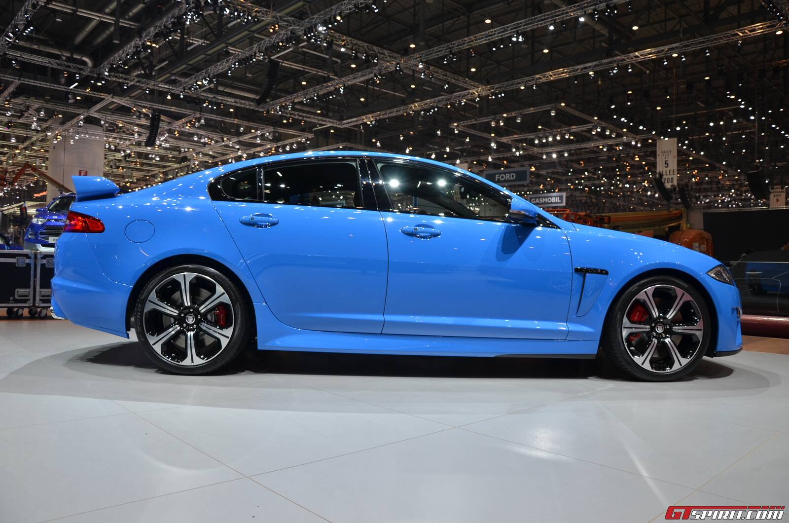 geneva 2013 jaguar xfr s gtspirit. Black Bedroom Furniture Sets. Home Design Ideas