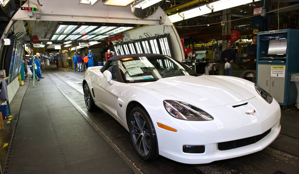 Final Chevrolet Corvette C6 Rolls off the Production Line