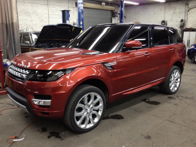 Fresh Leaked Images of the 2014 Range Rover Sport