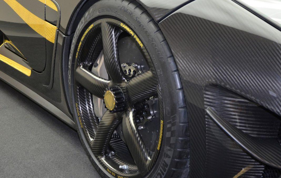 Koenigsegg Hundra Front