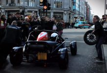 Video: Ariel Atom pit Stop in the Heart of London