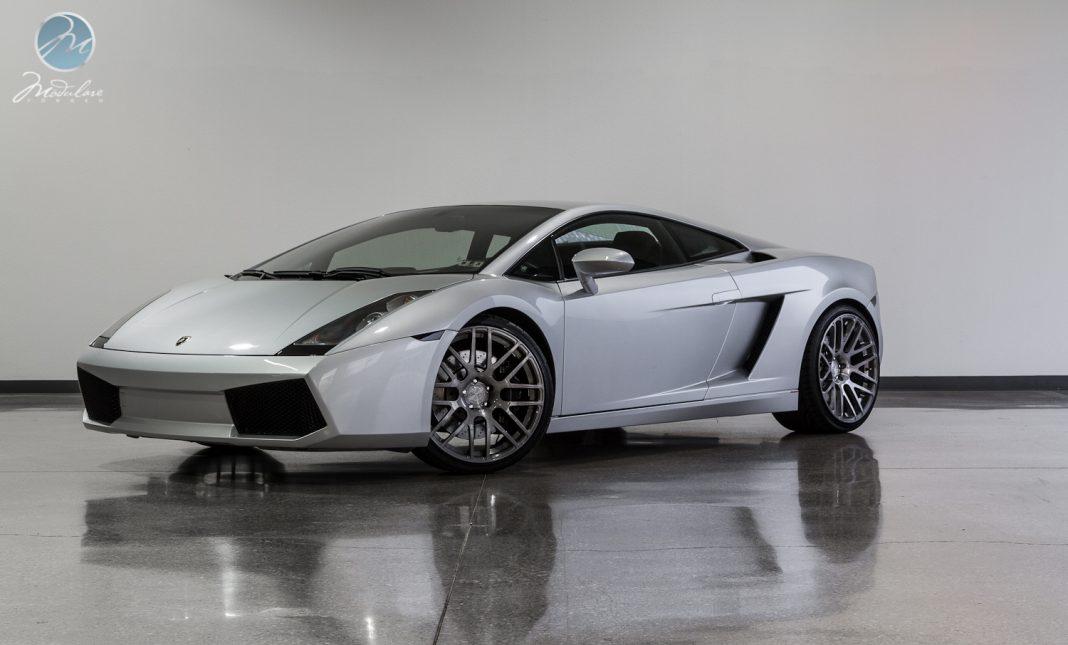 Lamborghini Gallardo Rolling on 20
