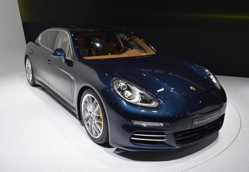 Shanghai 2013 Porsche Panamera 4s Executive Gtspirit