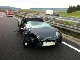 Car Crash: Ferrari 360 Spider and Porsche Panamera Smashed on German Highway