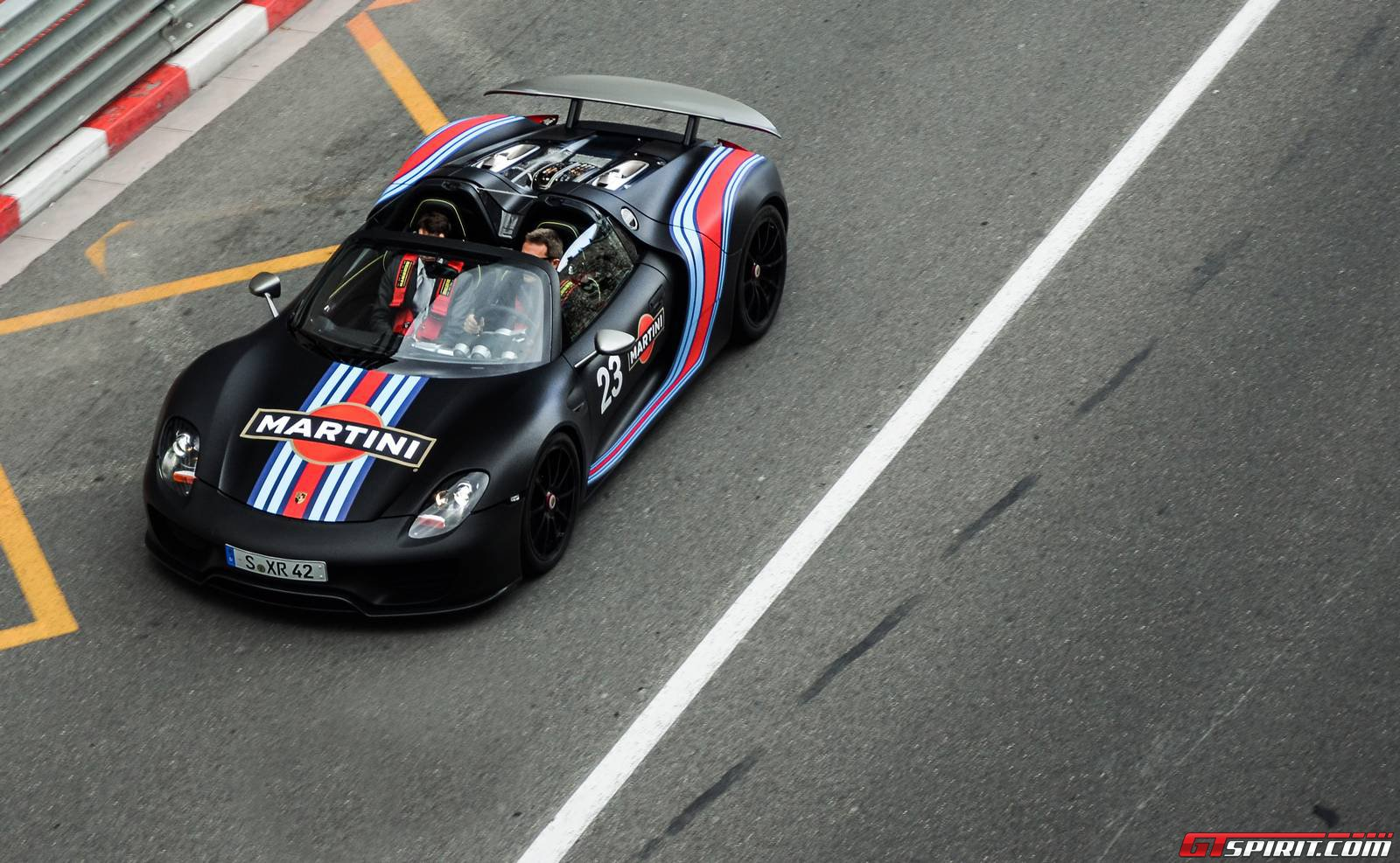 spotted porsche 918 spyder in monaco gtspirit. Black Bedroom Furniture Sets. Home Design Ideas