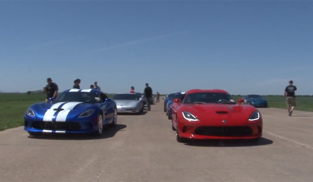 Video: Two 2013 SRT Vipers hit the Drag Strip