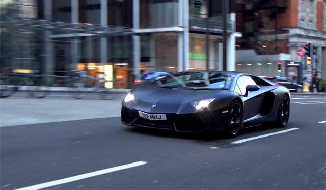 Video: Incredibly Loud Lamborghini Aventador Tears Through London