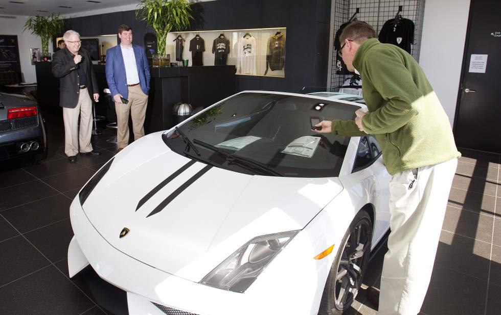 Get a Hole in one and Receive a Lamborghini Gallardo LP570-4 Performante