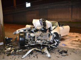 Car Crash: Mercedes-Benz SLS AMG Roadster Destroyed in Bridge Collision
