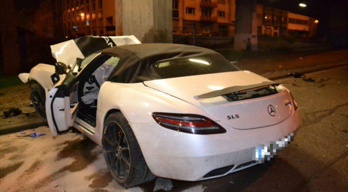 Car Crash: Mercedes-Benz SLS AMG Roadster Destroyed in Bridge Collision