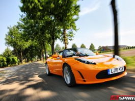 Tesla Roadster to Receive New Battery Pack With 400 Mile Range