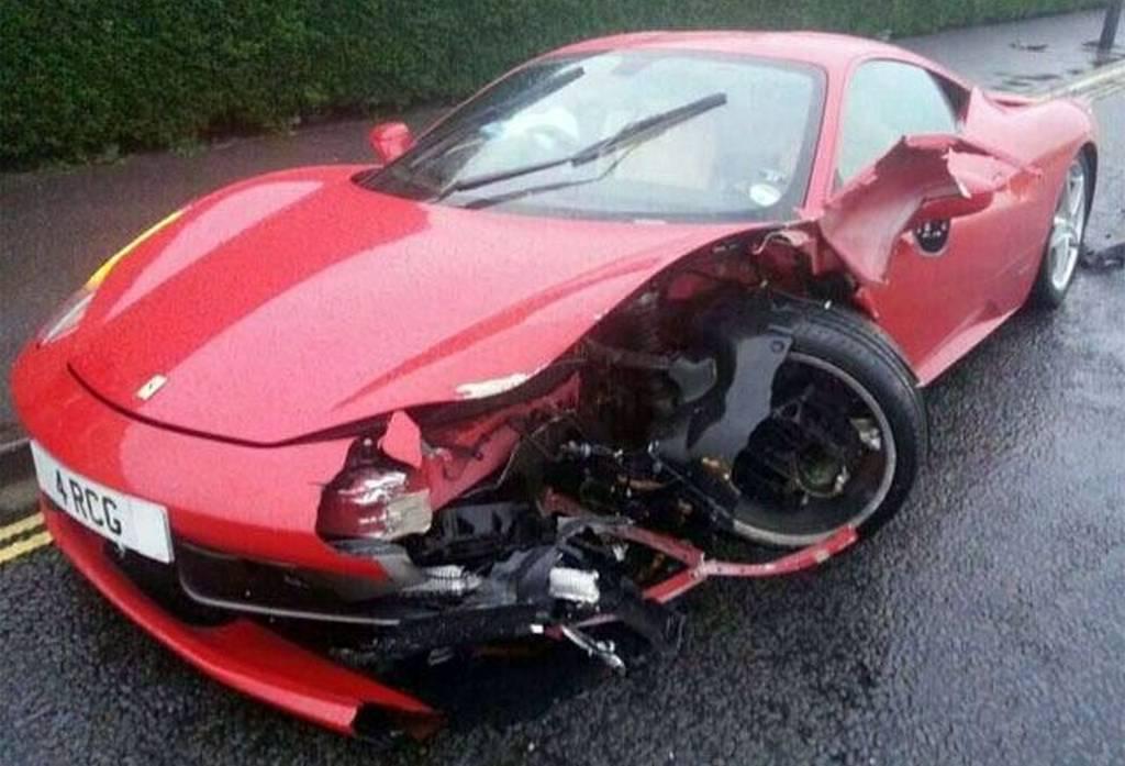 Car Crash Car Detailer Destroys Ferrari 458 Italia Gtspirit