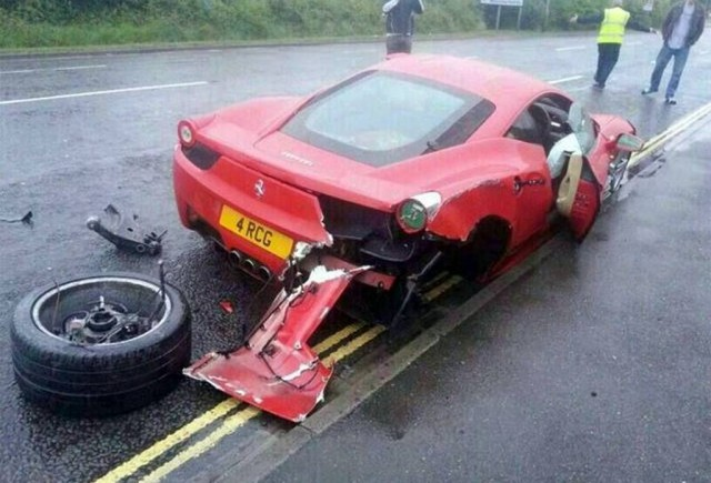 Car Crash: Car Detailer Destroys Ferrari 458 Italia