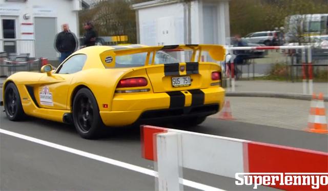 Video: Yellow Dodge Viper SRT10 ACR Sprints Around the 'Ring