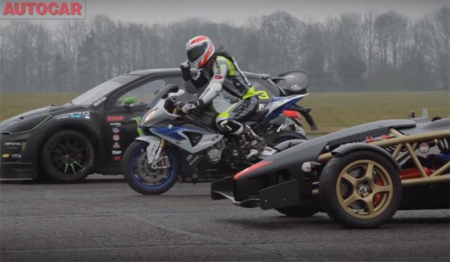 Video: Ariel Atom 500 vs Citroen DS3 Rallycross vs BMW HP4 Superbike