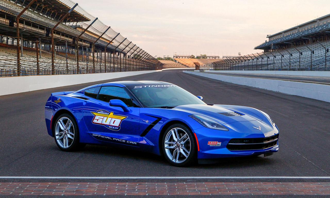 Video 2014 Chevrolet Corvette Stingray Pace car at Detroit Grand Prix