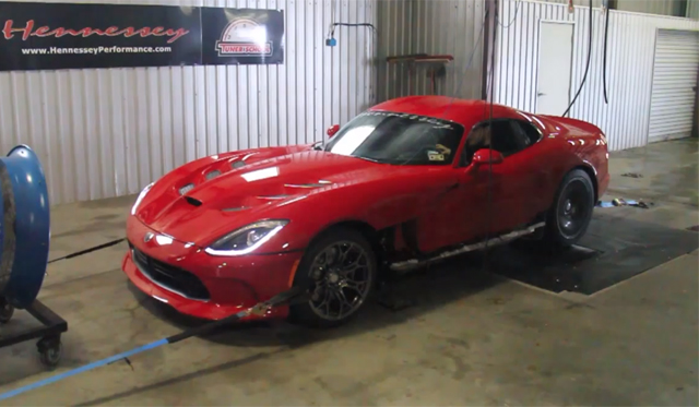 Video: Hennessey Performance Tests 2013 SRT Viper